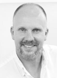 augenlidstraffung Augenlidstraffung / Schlupflider : Beratungsgespräch mit einem Facharzt Steffen Giesse