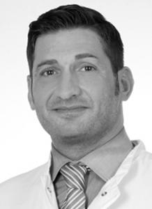augenlidstraffung Augenlidstraffung / Schlupflider : Beratungsgespräch mit einem Facharzt Patrice Moubayed